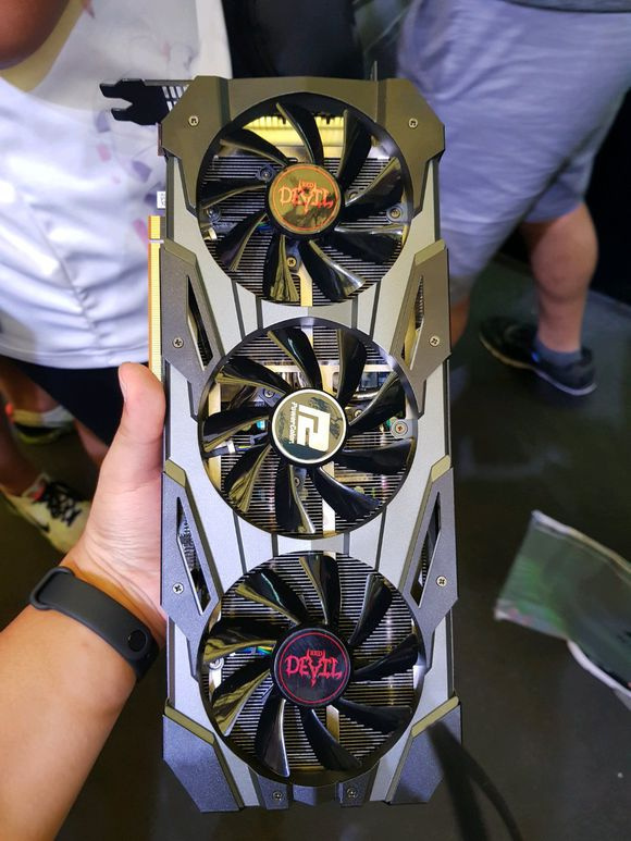 Media asset in full size related to 3dfxzone.it news item entitled as follows: Foto delle video card PowerColor RX 5700 Red Devil e HIS RX 5700 IceQ X²   Image Name: news29848_PowerColor-Radeon-RX-5700-Red-Devil_1.jpg